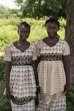Ndiaye (left) aged 12 and Fatoumata (right) aged 14 (Delphine Diallo - Save the Children)