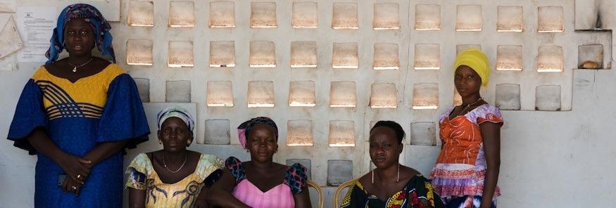 From left to right - Diamila (38), Mariama (42), Hamdila (23), Daba (23), Fatima (23) (Delphine Diallo - Save the Children)