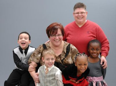 A recent family photo of April DeBoer and Jayne Rowse with their children (L-R) Nolan, Jacob, Rylee, and Ryanne. (Photo Credit: National Marriage Challenge)